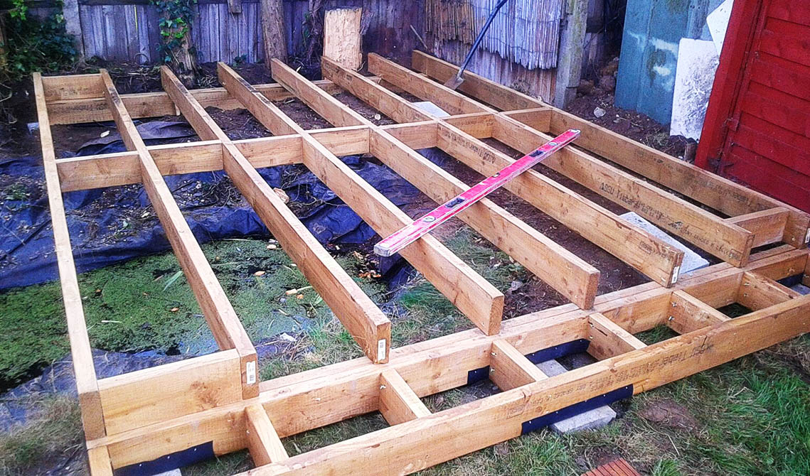 picture of timber construction during pb builder carpenters decking service