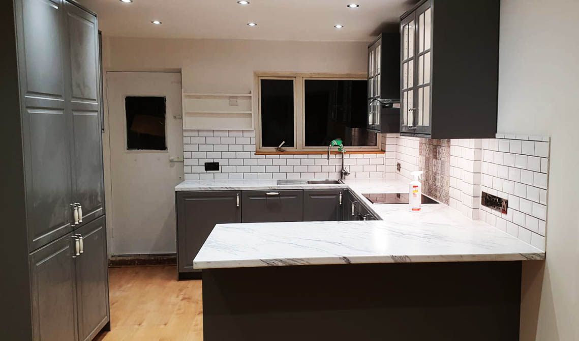 picture of kitchen in london after professional kitchen fitters work