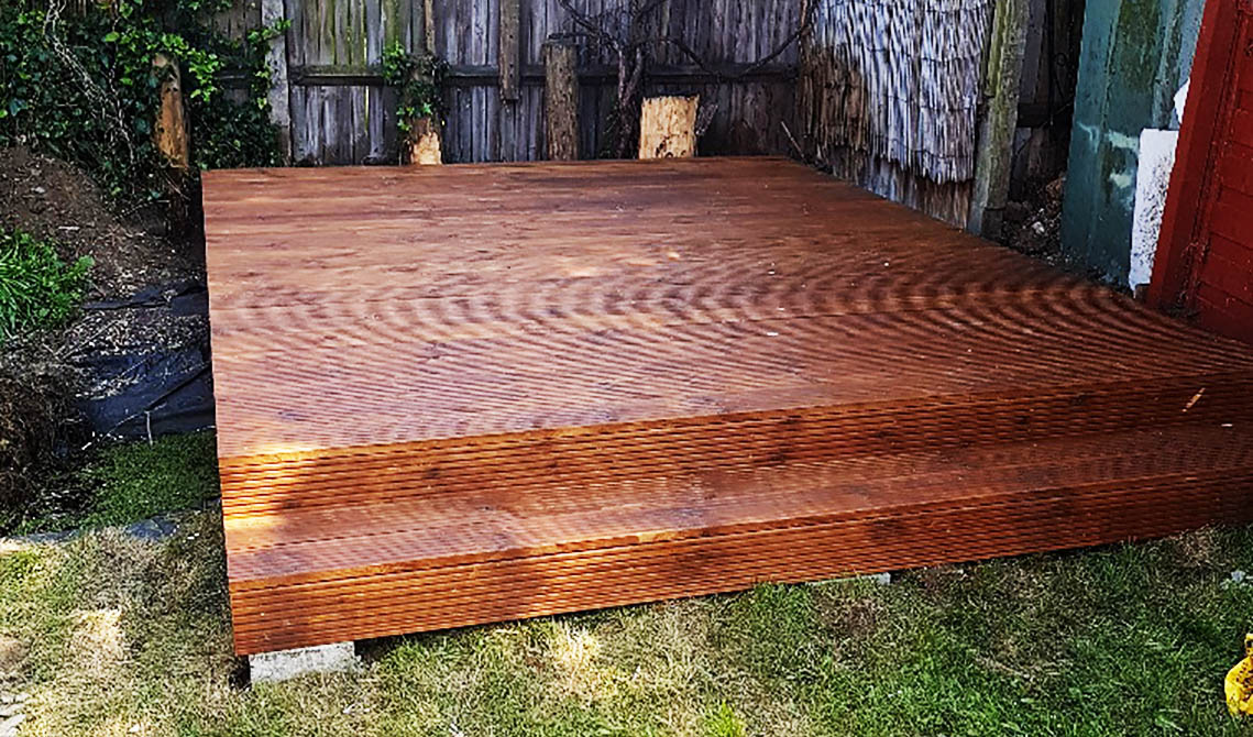 garden decking services pb builder