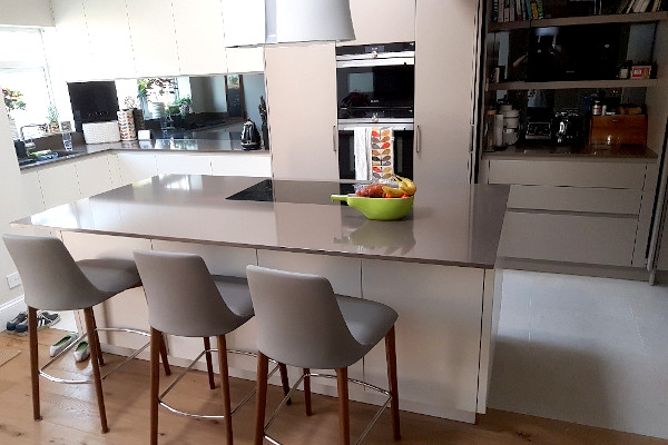 picture of kitchen after refurbishment and construction services by pb builder in sutton