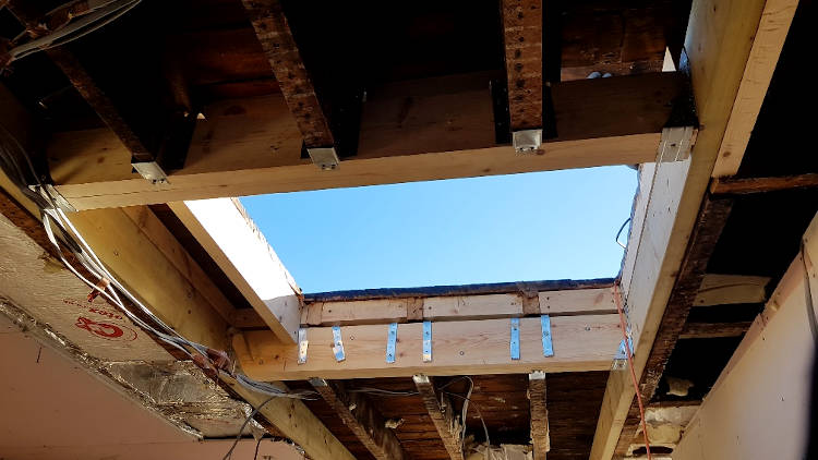 picture of loft conversion skylight fitting