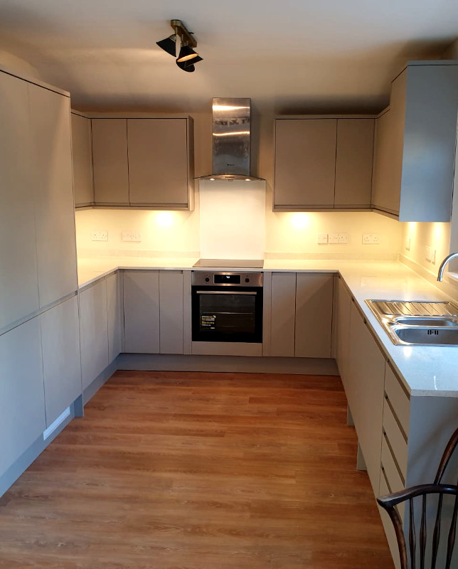 picture of kitchen after refurbishment and fitting by pb builder